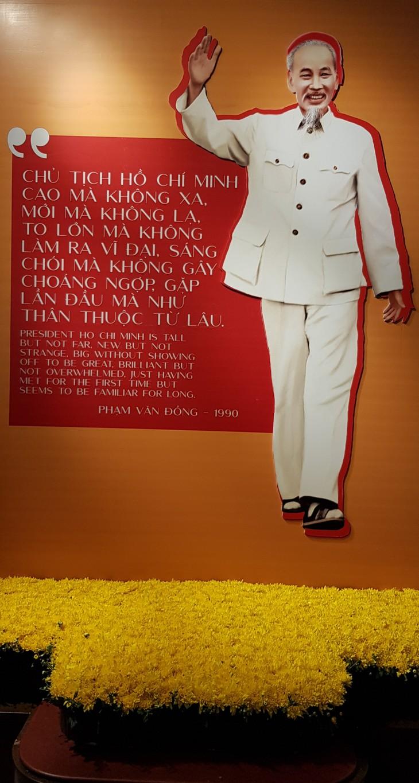 Открылась тематическая выставка «Хо Ши Мин – портретный очерк» - ảnh 2