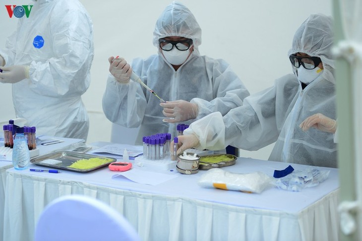 Вьетнам полностью обеспечивает себя тестами на выявление коронавируса - ảnh 1