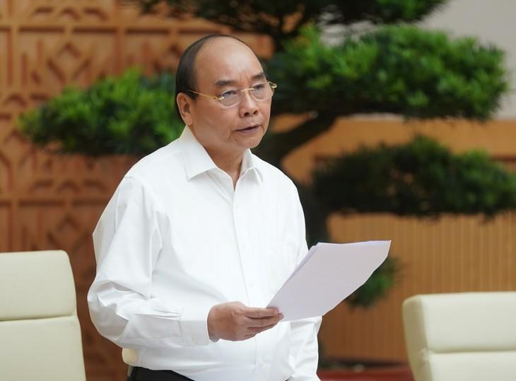 Премьер-министр СРВ Нгуен Суан Фук: Необходимо приложить максимум усилий для успешного выполнения Государственного плана на 2020 год  - ảnh 1