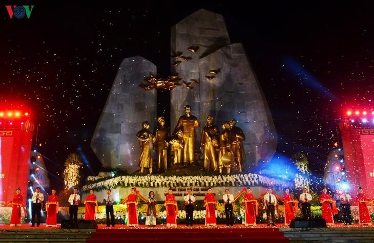 В провинции Куангбинь прошла церемония празднования 63-й годовщины со дня посещения президентом Хо Ши Мином этой провинции  - ảnh 1