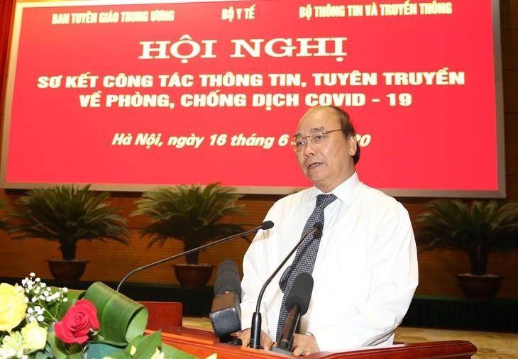 Премьер-министр Нгуен Суан Фук: СМИ внесли важный вклад в успех борьбы с  COVID-19 - ảnh 1