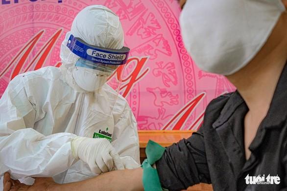 Пандемия COVID-19: почти все пациенты во Вьетнаме выздоровели  - ảnh 1