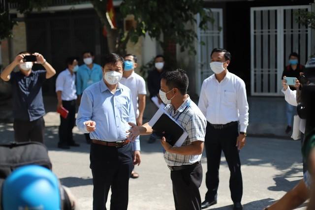 Минздрав срочно мобилизовал людские ресурсы для ликвидации COVID-19 в Дананге  - ảnh 1