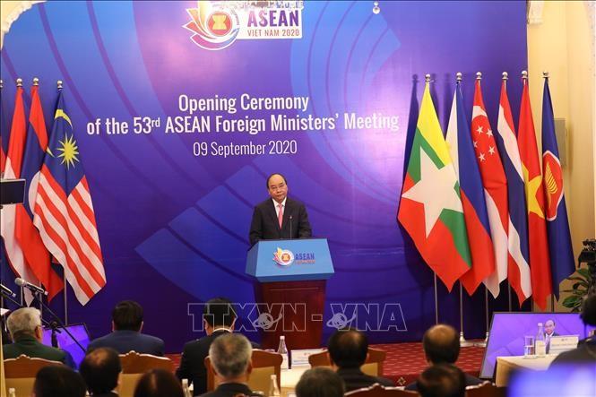 Вьетнам проявил креативность и гибкость в осуществлении функций Председателя АСЕАН 2020  - ảnh 1