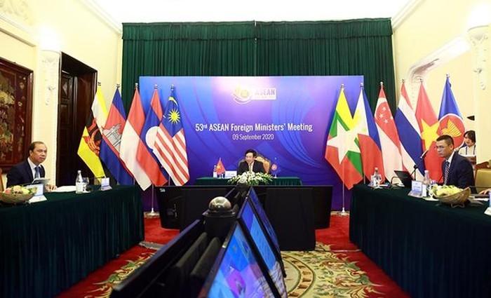 Вьетнам проявил креативность и гибкость в осуществлении функций Председателя АСЕАН 2020  - ảnh 2