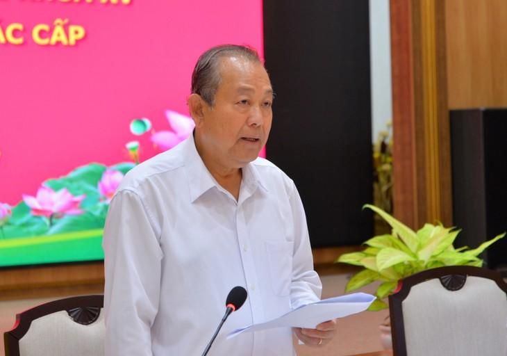 Вице-премьер Чыонг Хоа Бинь проверил подготовительную работу к выборам в Донгтхап - ảnh 1