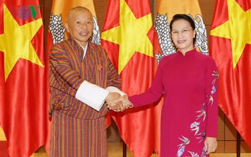 Chủ tịch Quốc hội Nguyễn Thị Kim Ngân tiếp Chủ tịch Quốc hội Butan Lyonpo Jigme Zangpo - ảnh 1