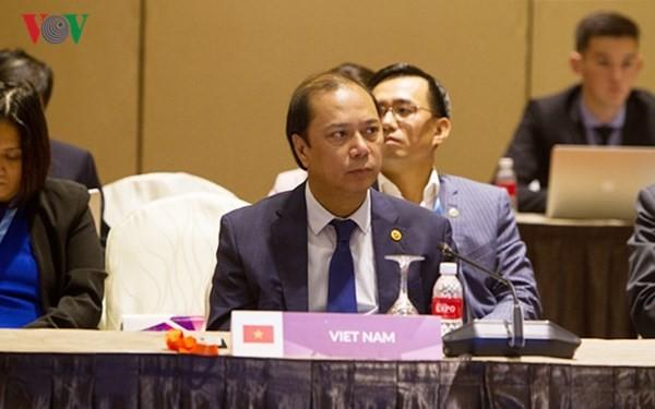 Xây dựng Cộng đồng ASEAN hướng tới người dân và không vũ khí hạt nhân - ảnh 1