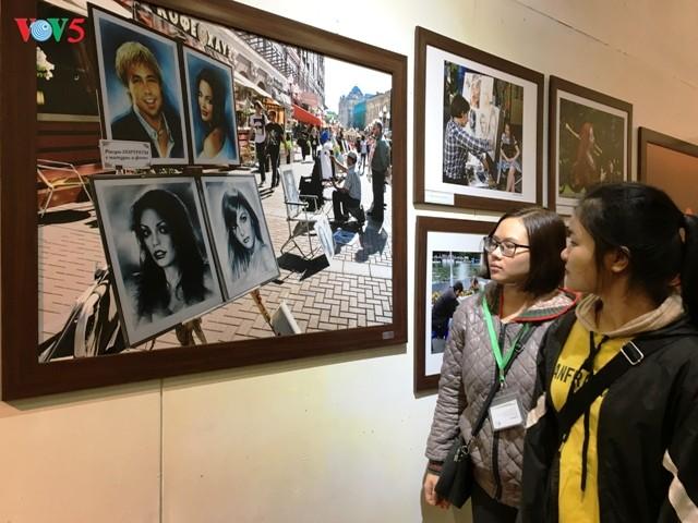 """Thăm xứ sở Bạch Dương qua triển lãm ảnh """"Nơi ấy nước Nga"""" - ảnh 3"""