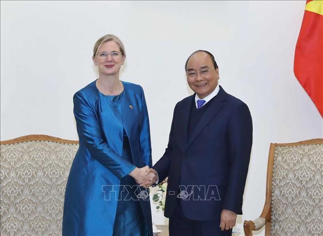 Thủ tướng Nguyễn Xuân Phúc tiếp Đại sứ Thụy Điển và Đại sứ Pháp - ảnh 1