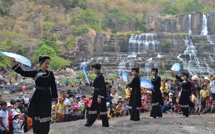 Lâm Đồng ngừng tổ chức Lễ hội mùa Xuân để phòng tránh dịch nCoV - ảnh 1