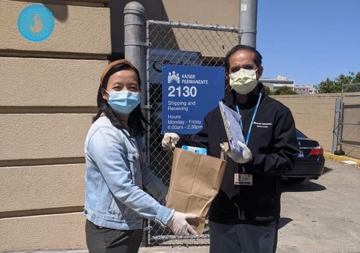 Hội Thanh niên Sinh viên Việt Nam tại California ủng hộ hơn 5000 đôi găng tay bảo hộ cho các bệnh viện địa phương - ảnh 4