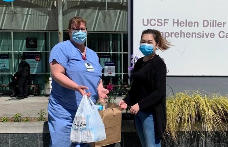 Hội Thanh niên Sinh viên Việt Nam tại California ủng hộ hơn 5000 đôi găng tay bảo hộ cho các bệnh viện địa phương - ảnh 3