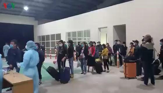 Công dân Việt Nam tại Lào muốn về nước phải đăng ký trước - ảnh 1