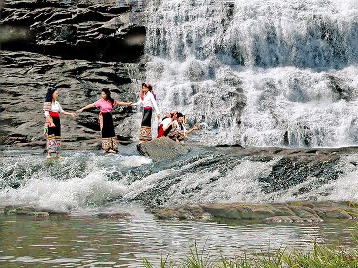 Tỉnh Nghệ An hỗ trợ phát triển hiệu quả du lịch cộng đồng - ảnh 1