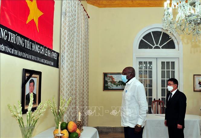 Lễ viếng nguyên Tổng Bí thư Lê Khả Phiêu tại Cuba - ảnh 1