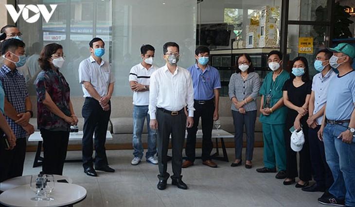 Đà Nẵng chia tay các cán bộ y tế tình nguyện giúp thành phố chống dịch - ảnh 1