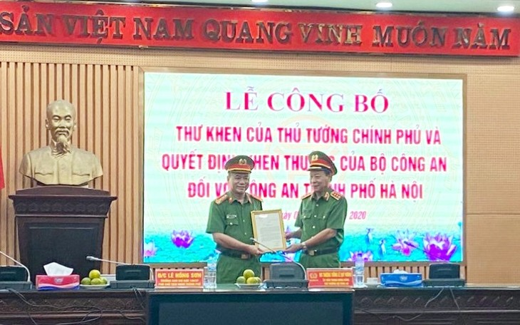 Thủ tướng Chính phủ gửi Thư khen Công an Hà Nội triệt phá nhóm lừa đảo chiếm đoạt tài sản của khách hàng tại Mỹ - ảnh 1