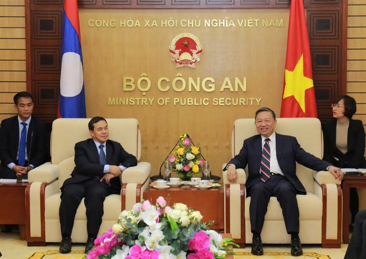 Bộ trưởng Bộ Công an Tô Lâm tiếp Đại sứ Cộng hòa dân chủ nhân dân Lào - ảnh 1