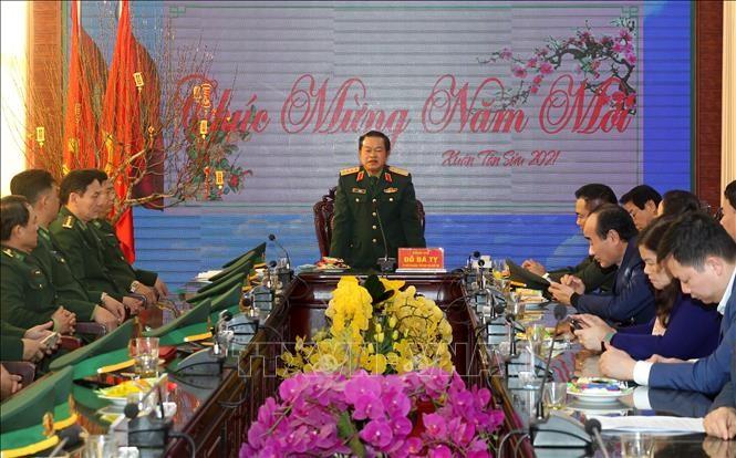 Phó Chủ tịch Quốc hội Đỗ Bá Tỵ thăm, chúc Tết tại Lào Cai - ảnh 1