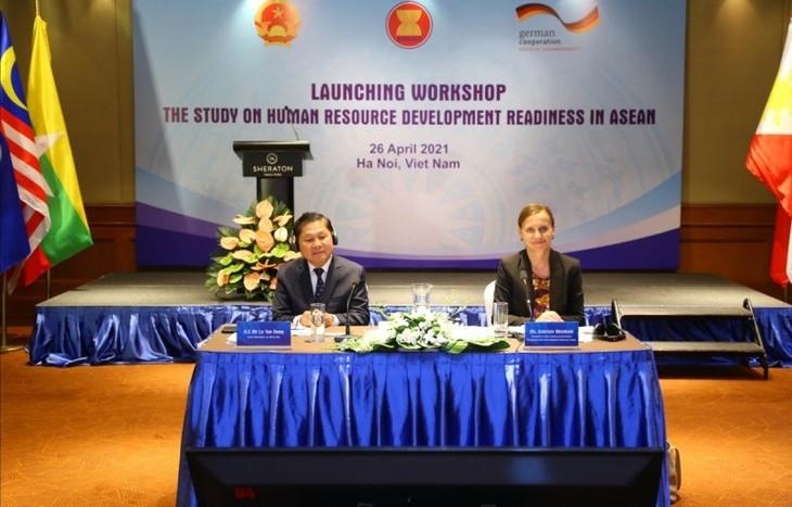 Ra mắt Báo cáo nghiên cứu khu vực về sự sẵn sàng phát triển nguồn nhân lực trong ASEAN - ảnh 1