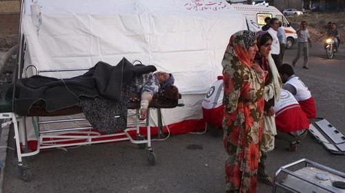 153 orang yang tewas setelah dua gempa bumi di Iran - ảnh 1