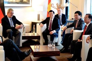Presiden Truong Tan Sang bertemu dengan kelompok legislator persahabatan ASEAN Parlemen Jerman  - ảnh 1