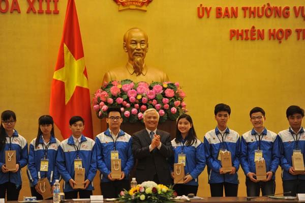 Menemui  82 pelajar peserta babak final sayembara Jayalah Vietnam - ảnh 1