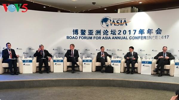 Ketua Forum menyerukan Asia supaya mendukung globalisasi - ảnh 1