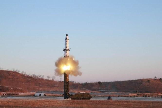 AS, Jepang dan Republik Korea menyepakati pendirian terhadap RDRK pasca peluncuran rudal - ảnh 1
