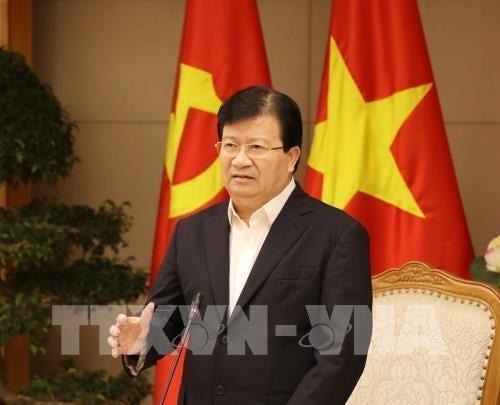 Deputi PM Trinh Dinh Dung menerima Wakil ketua Bank Pembangunan Eropa - ảnh 1