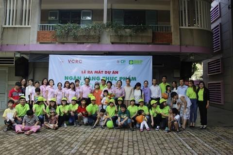 Unjuk muka proyek Bank Bahan Makanan Foodbank Vietnam - ảnh 1