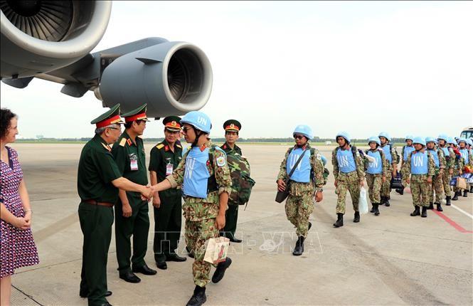越南第二批赴南苏丹执行任务的维和力量出征仪式举行 - ảnh 1