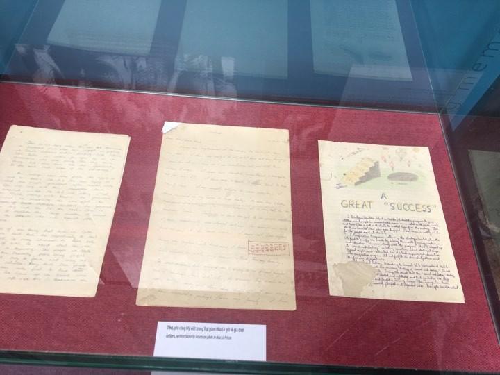 Memories of war showcased at Hoa Lo prison - ảnh 1
