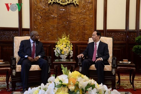 President receives foreign ambassadors' letter of credentials  - ảnh 2