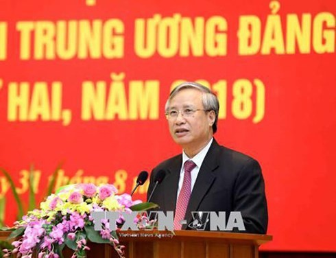 Training course for Party Central Committee members closes - ảnh 1