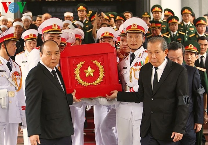 Prime Minister reads eulogy at Gen. Dong Sy Nguyen's funeral  - ảnh 1