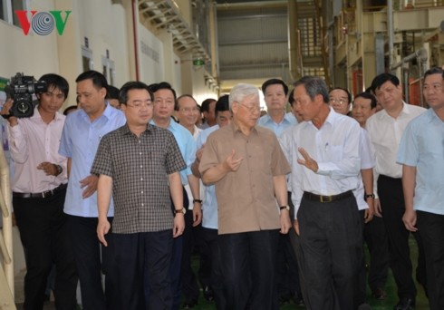 Party, State leader works with key leaders of Kien Giang - ảnh 1