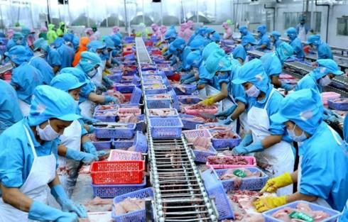 Vietnam's trade turnover tops 200 billion USD in H1 - ảnh 1