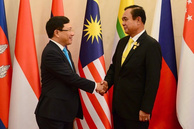 Vietnam pledges to enhance ASEAN's consensus and cohesion  - ảnh 1
