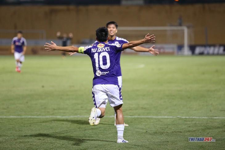 Van Quyet named V-League 2019 Best Player - ảnh 1