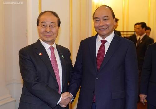 Prime Minister receives President of RoK-Vietnam Friendship Association - ảnh 1