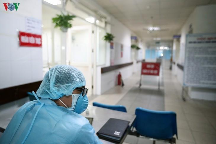 Vietnam takes aggressive measures against new coronavirus epidemic  - ảnh 1