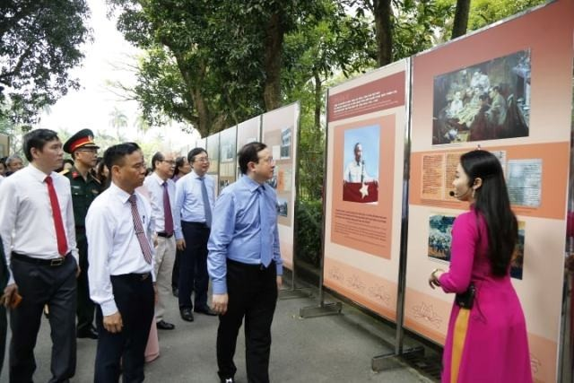 Exhibition about President Ho Chi Minh opens in Hanoi  - ảnh 2