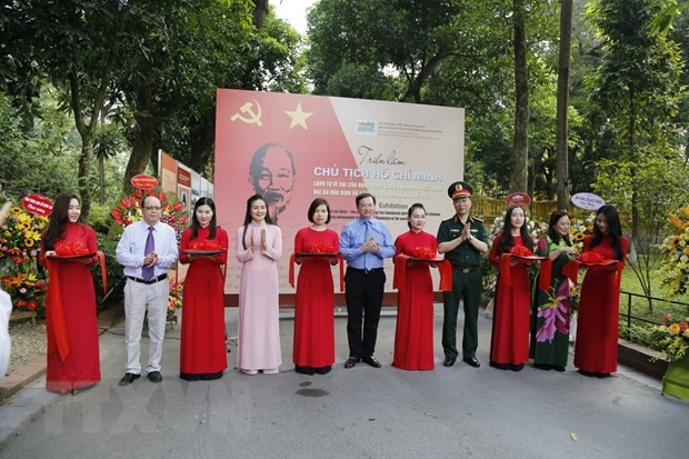 Exhibition about President Ho Chi Minh opens in Hanoi  - ảnh 1