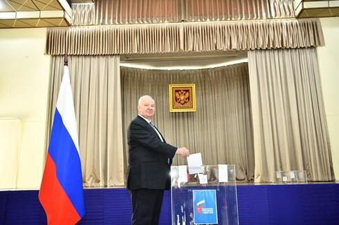 Russian citizens in Vietnam cast their constitutional amendment ballots - ảnh 1