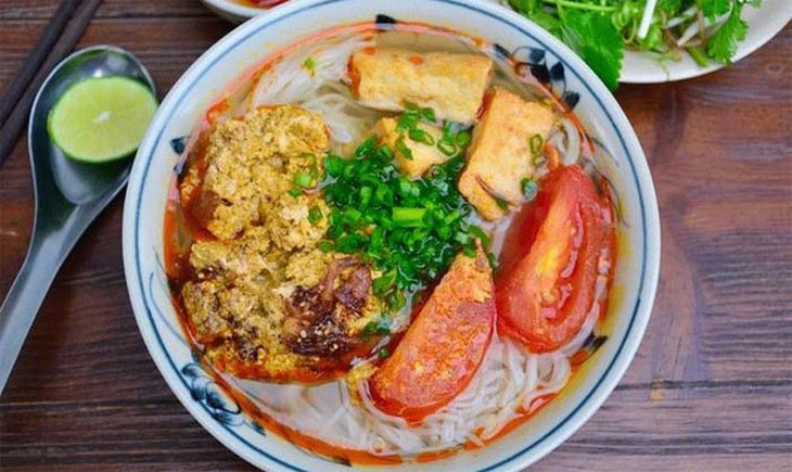Crab paste vermicelli soup satisfies the palate  - ảnh 1