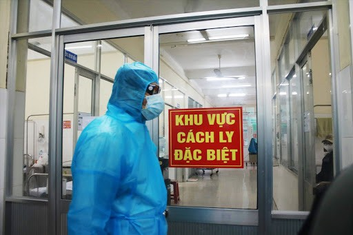 Vietnam reports 2 more new cases of COVID-19 from abroad - ảnh 1