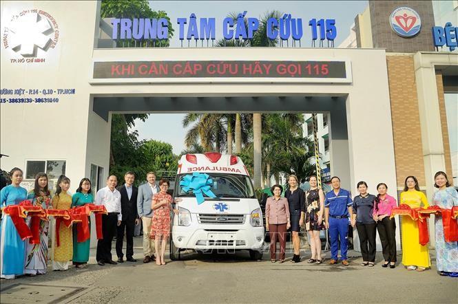 US company donates medical equipment to Ho Chi Minh City Emergency Center - ảnh 1
