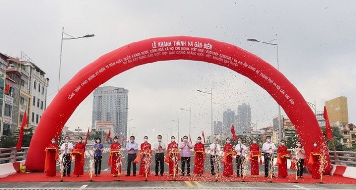 Flyover inaugurated in Hanoi's Cau Giay district - ảnh 1